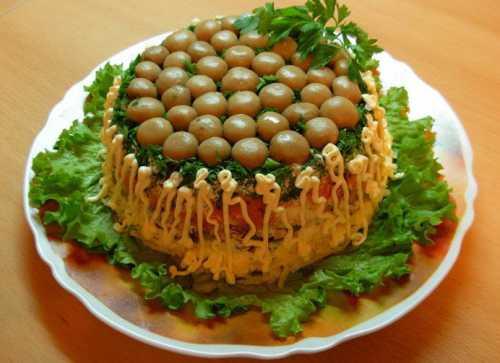 Рецепты салатов Грибная поляна с ветчиной,
