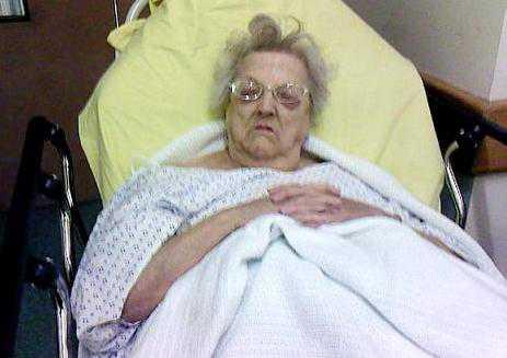 Если вас посетила во сне незнакомая бабушка, то, к чему снится она, зависит от ее поведения и внешнего вида