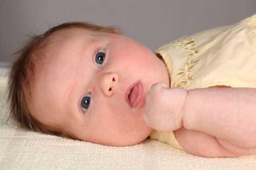 Ребенок икает в утробе матери Узнайте это миф