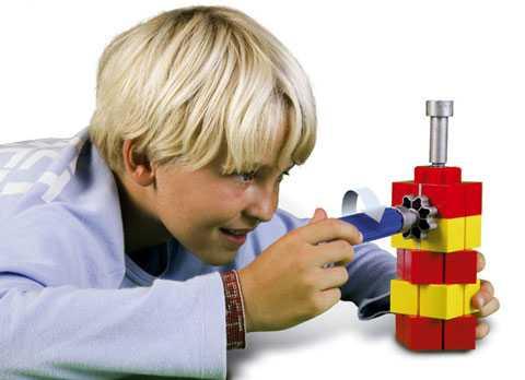Лидирует в производстве развивающих конструкторов для детей знаменитый