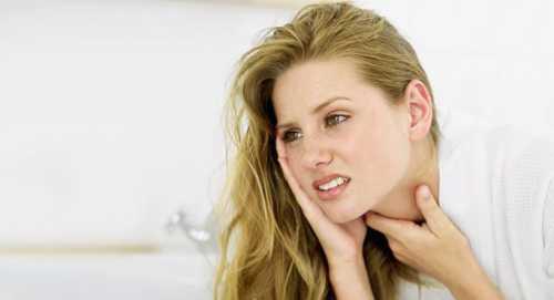 Почему возникает першение в горле и сухой кашель,