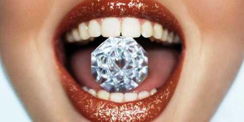 Эффективные способы отбеливания зубов в домашних