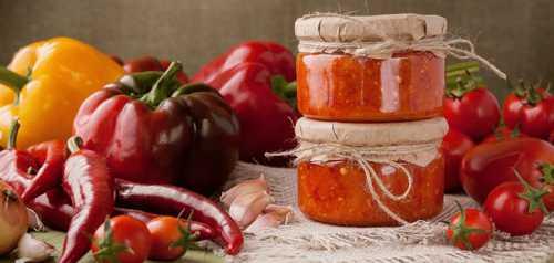 Популярные рецепты аджики из помидоров без