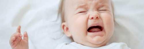 Болит живот у новорождённого
